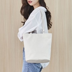 CANVAS OVAL BAG