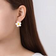 귀여운 데이지 꽃 귀걸이