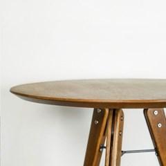 D8 테오 사이드 테이블