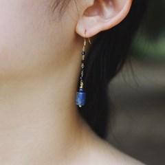 blue lapis lazuli earring
