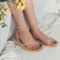 toe cross strap sandal