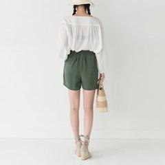 modern pintuck banding shorts