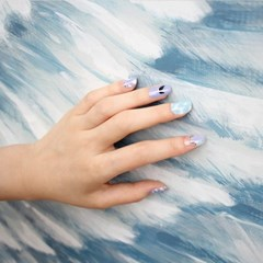 [베르니아 옹글스] 리얼 젤 네일 메이크업 V-17 살포시 앉은 깃털