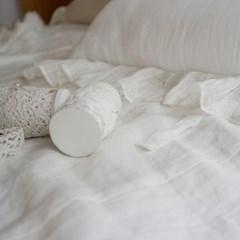 린넨 화이트 프릴 쿠션 : Linen white frill cushion