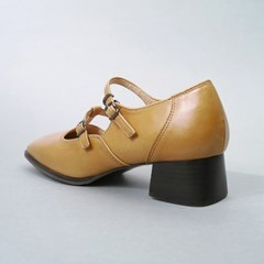 흰_Strap Shoes_Yellow Ocher
