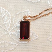 ganet bar necklace