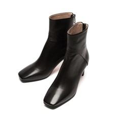 Square Line ankle boots Black