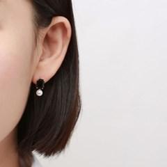 진주 블랙 사각 귀걸이