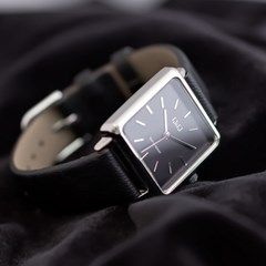 큐앤큐 QB51J 여성용 가죽밴드 스퀘어 패션 손목시계