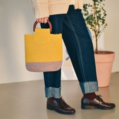 Woodie Knit Tote Bag