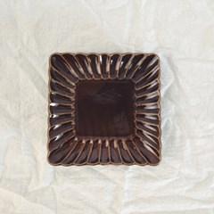 아미 브라운 정사각 플레이트(20cm)