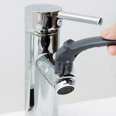 틈새 청소까지 가능한 다기능 청소 브러쉬
