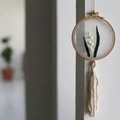 집콕 온라인 취미 클래스 - 은방울꽃 투명자수액자 만들기 DIY KIT