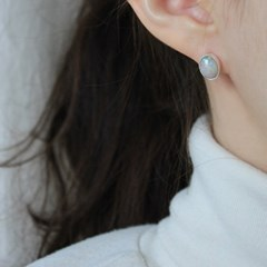 오팔 크림 귀걸이(10월탄생석)