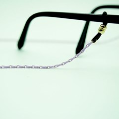 Simple colorful glasses chain