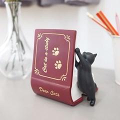 책보는 고양이 명함꽂이 겸 폰 거치대