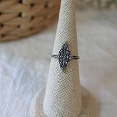 마카사이트 피라미드 반지