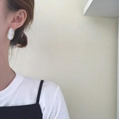 [빈티지 써지컬 귀걸이] 크림 이어링