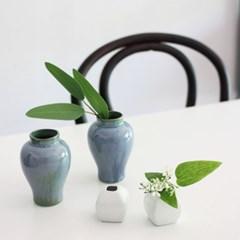 블루화기(Blue Vase)