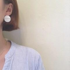 [자개 써지컬 스틸 귀걸이] 화이트쉘 이어링