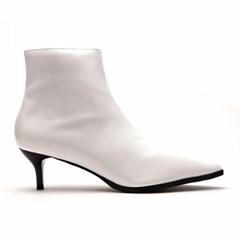 [피어포] Point Toe Boots_White