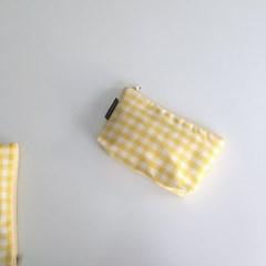 옐로우 체크 파우치(Yellow check pouch)