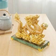 풍수 황금 용 장식