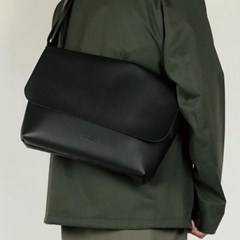 106 CROSSBAG BLACK