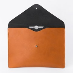 Envelope Clutch in London Tan