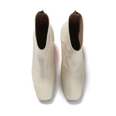Square Line ankle boots 2 Ivory