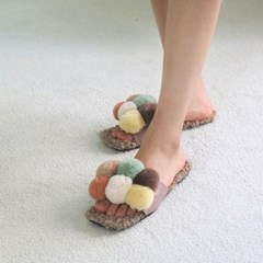 kami et muse Fur pompom boucle slippers_KM19w095
