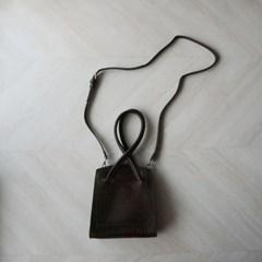 꼬임 스트랩 와니 미니 숄더백 (2color)