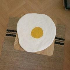양모 방석 계란후라이