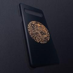 [무광]전통문양 왕을 담은 블랙 골드 곤룡포 휴대폰 케이스