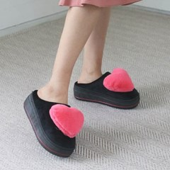 kami et muse Heart cushion fur slippers_KM19w211