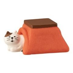 데꼴 고양이와 집 피규어