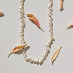 pebble pearl necklace