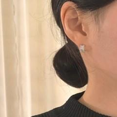 [큐빅 볼 귀걸이] 드비앙 이어링