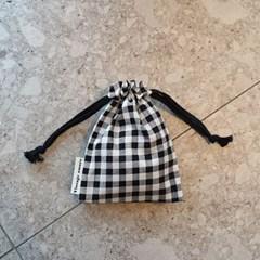 vintage check string pouch_블랙