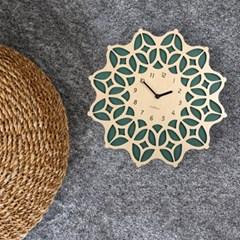화려한 문양이 돋보이는 모로칸 감성의 보헤미안 벽시계 내츄럴-그린