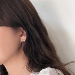 [92.5 silver] Pretzel earring