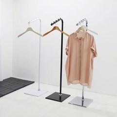 튼튼한 철제 스탠드옷걸이 드레스룸 옷방 인테리어용 틈새 보조행거