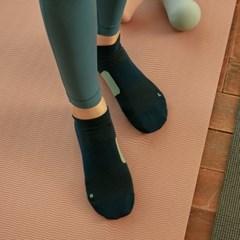 비츠 발에 맞춰 설계된 테이핑 스니커즈 BTZ_001