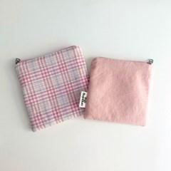 체크 배색 사각 파우치(check block square pouch)