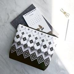 블랙 다이아 파우치 - 패턴 디자인