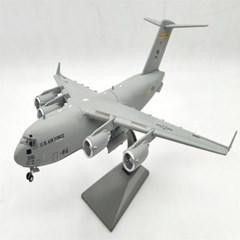 C17 글로브마스터 전략수송기 미국 공군 조종사 C-17