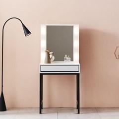 KUF 이즈웰 LED 600 심플 수납 화장대 거울포함_(2020876)