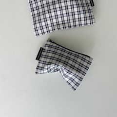 네이비 심플 체크 파우치(Navy simple check pouch)
