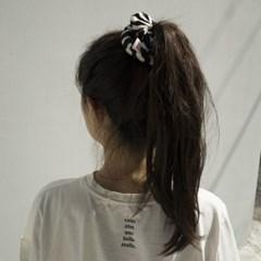 Fabric scrunchie_ zebra