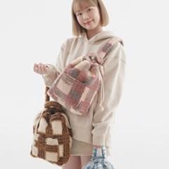 [이달의 소녀 여진]FLUFFY CHECK SLING BAG